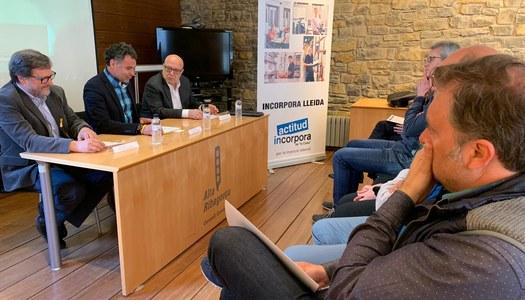 """""""La Caixa"""" i el Consell Comarcal fomenten la contractació  de col·lectius vulnerables entre l'empresariat local"""