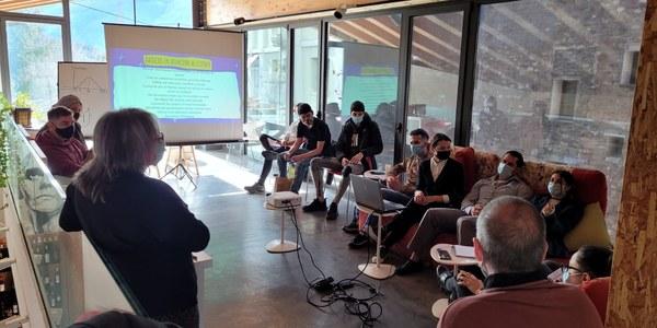 Els 12 joves de Projecte Singulars inicien les pràctiques en restauració