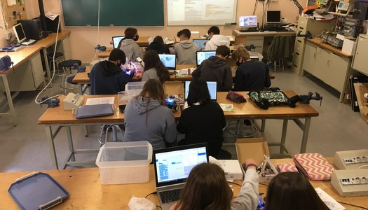 Tallers de robòtica als centres d'ensenyament de la comarca