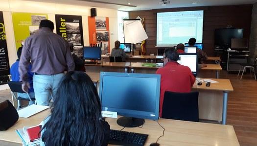 """Treballadors del programa """"Treball i Formació"""" milloren les seves competències digitals"""